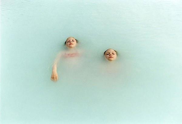 identical-twins-erna-hrefna-photography-iceland-ariko-inaoka-12