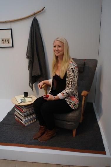 Johanna Vesterlund i sin Whiskyhörna