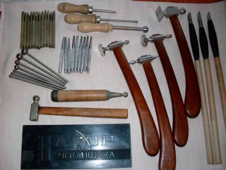 Основные инструменты для чеканки по металлу