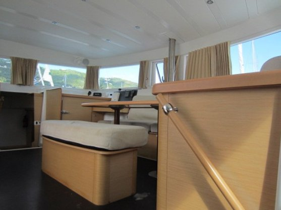 View of salon from starboard hull
