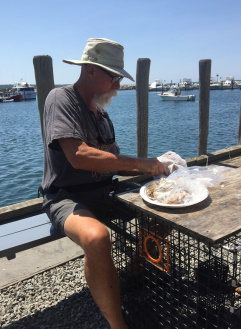 LS_20160721_141834 shucking oysters