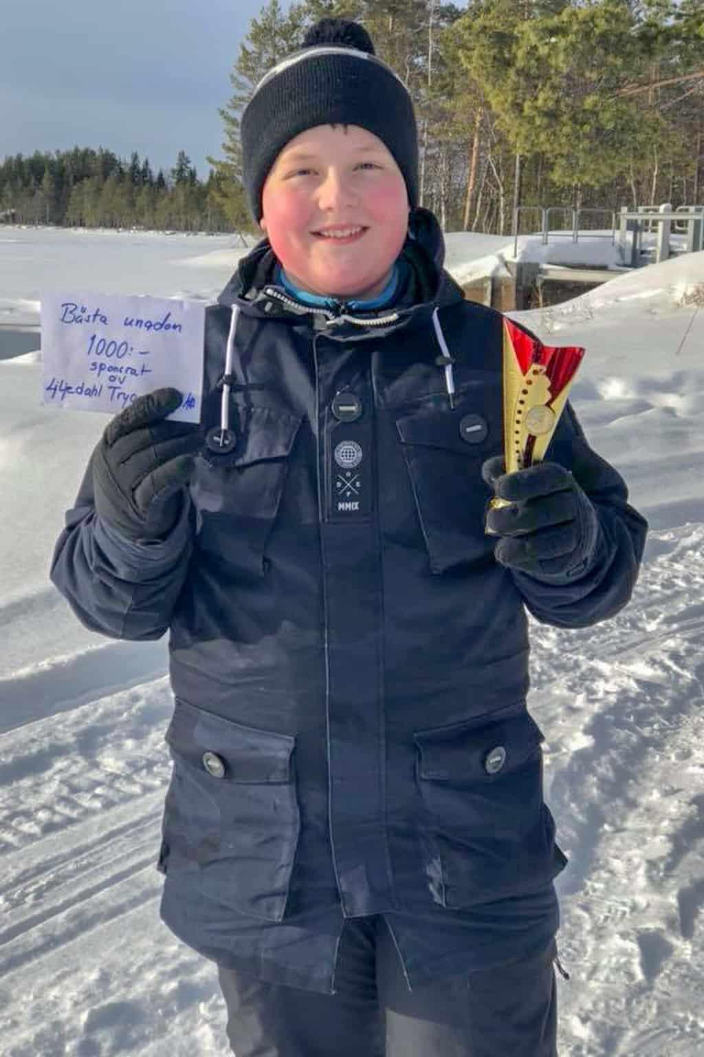 Vinnare i ungdomsklassen och 1000 kronor rikare blev Emil Sjöberg från Sveg. Foto: Thomas Sundemyr