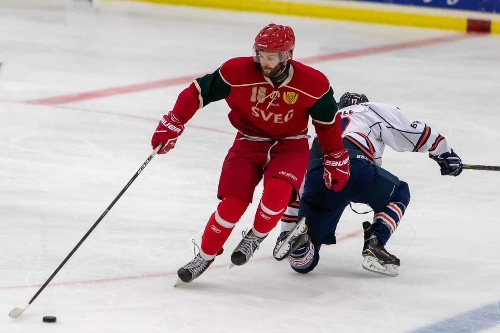 Jan Jindra från Tjeckien, kommer närmast från universitetshockeyn i Polen. Foto: Morgan Grip
