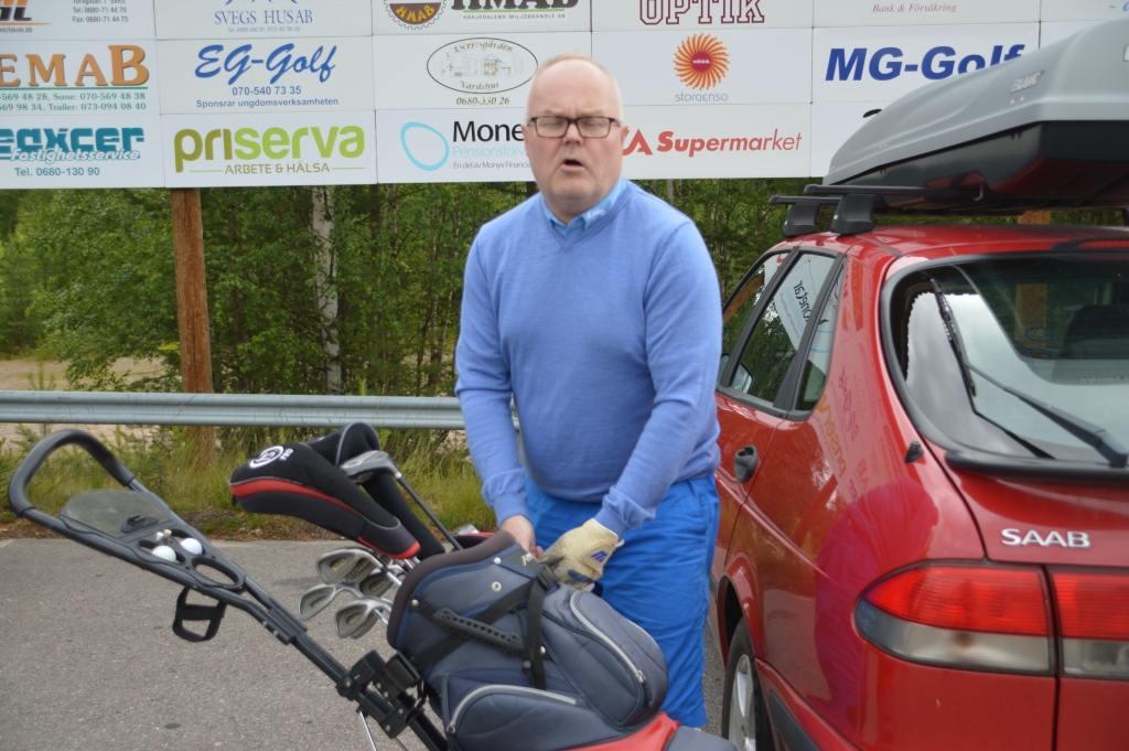 Gamle curlingstjärnan Anders Lööv siktade på seger. Foto: Leif Eriksson