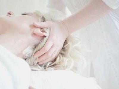 4 populiariausios grožio procedūros, kuriomis domisi moterys