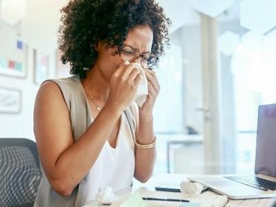 Kaip apsaugoti darbo vietą nuo plintančių virusų rudens sezonu?