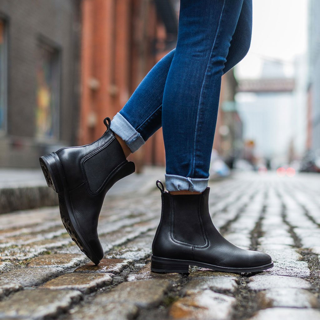 black chelsea boots - women's footwear