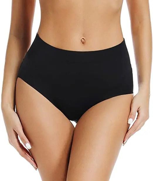 Woman wearing black seamless panty