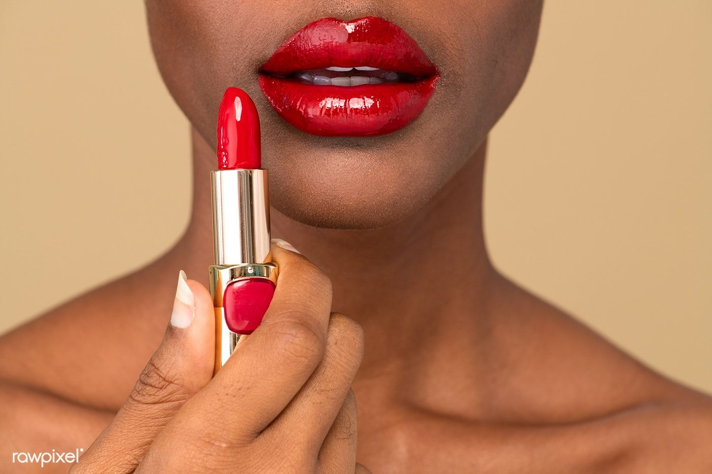 5 Must-have Types of Lipsticks