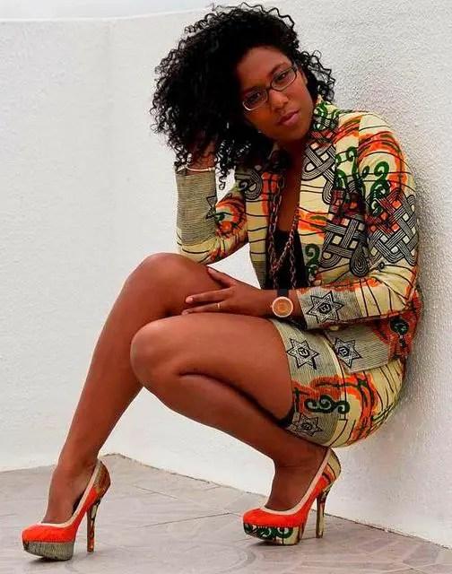 lady rocking ankara suit and ankara shoes