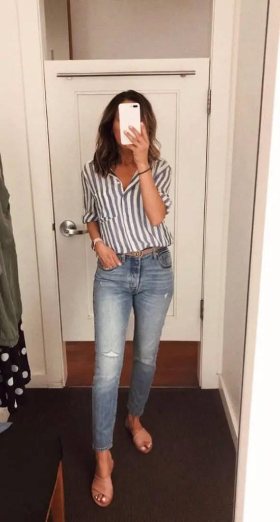 lady wearing light blue jeans