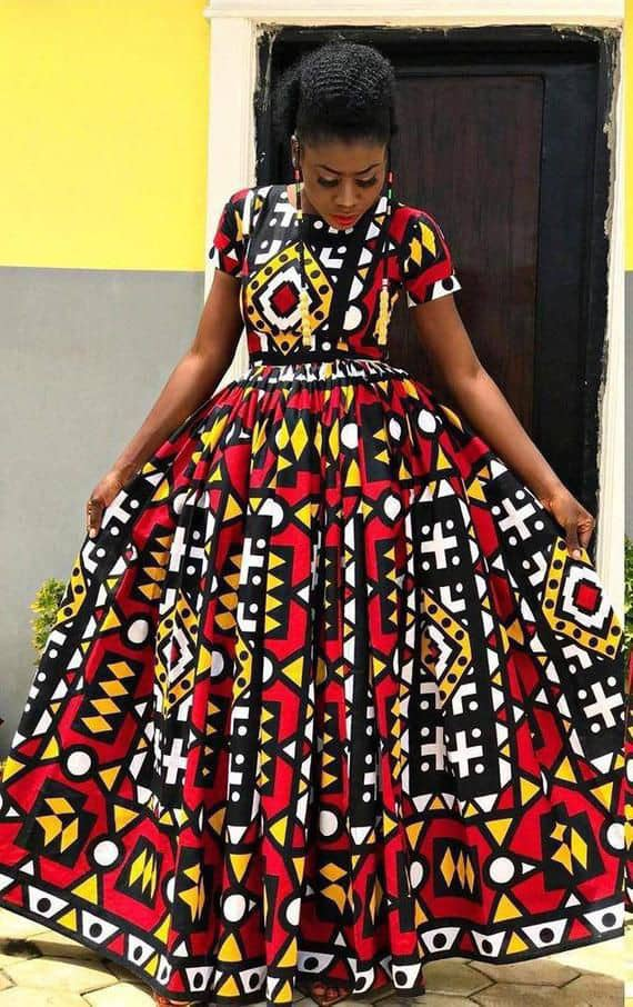 lady in a simple flare ankara gown