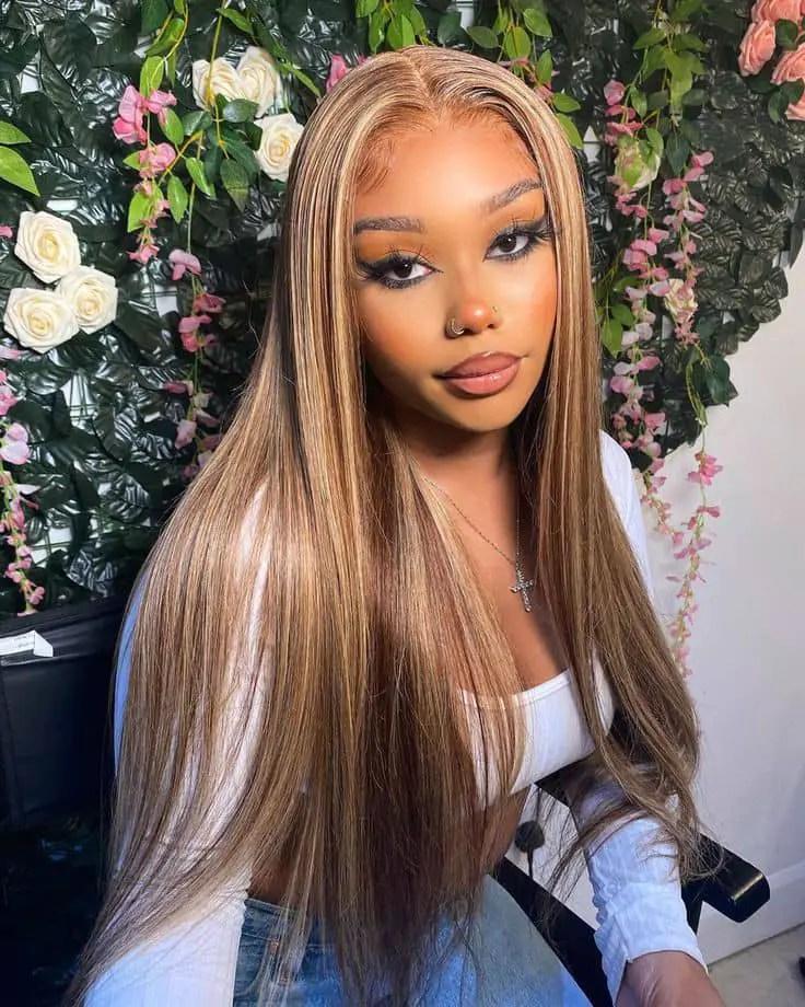 lady wearing brown wig
