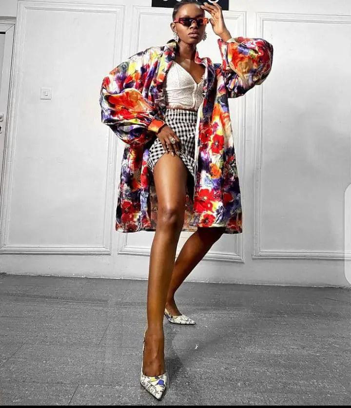 lady wearing a stylish kimono