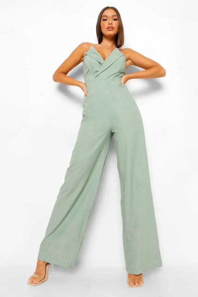 lady rocking sleeveless jumpsuit