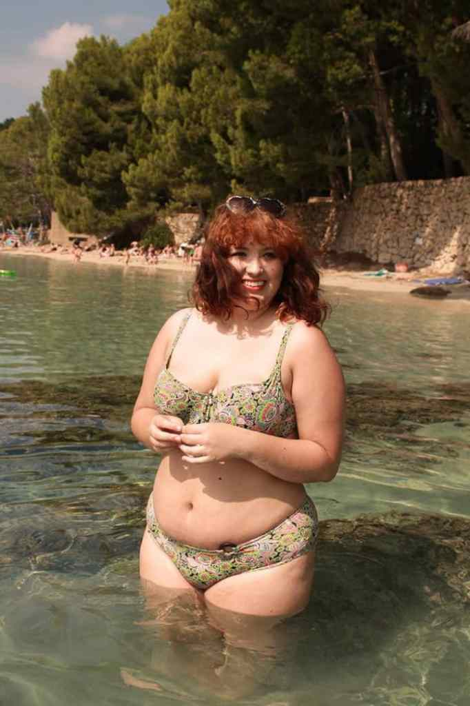 plus sized lady in a bikini