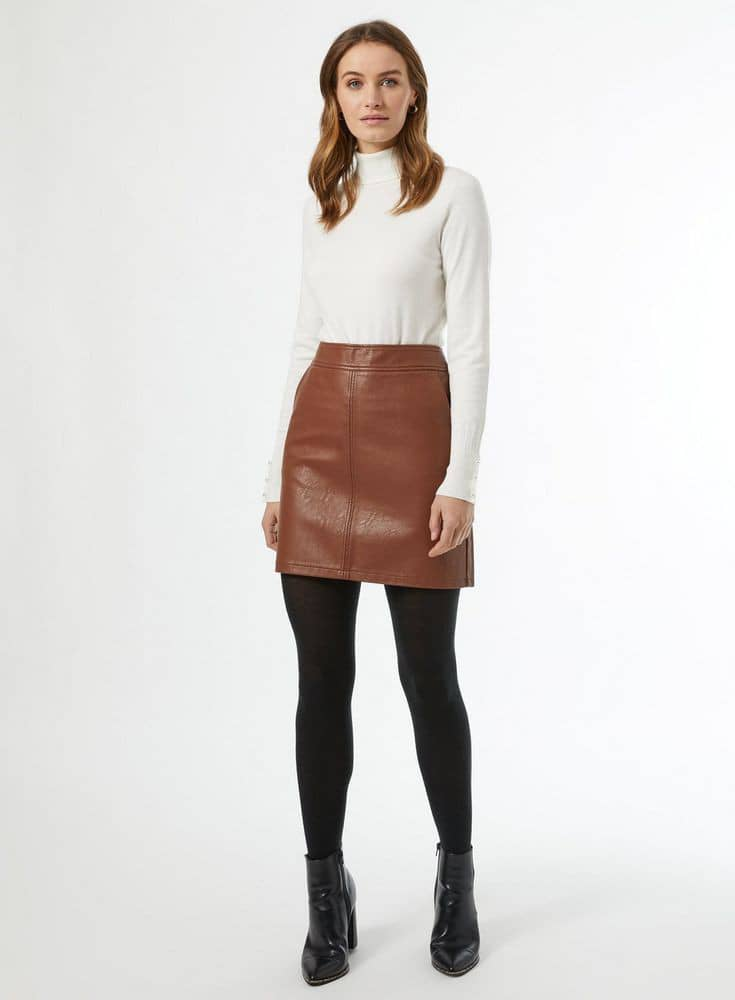 lady wearing black tight under her brown mini skirt