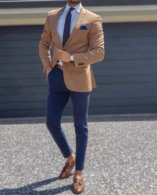 Guy wearing suit and tie