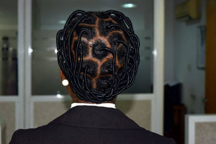 back view of thread hairstyle