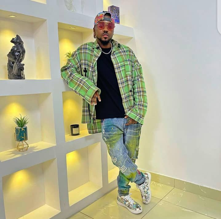 Skiibii in his outfit style