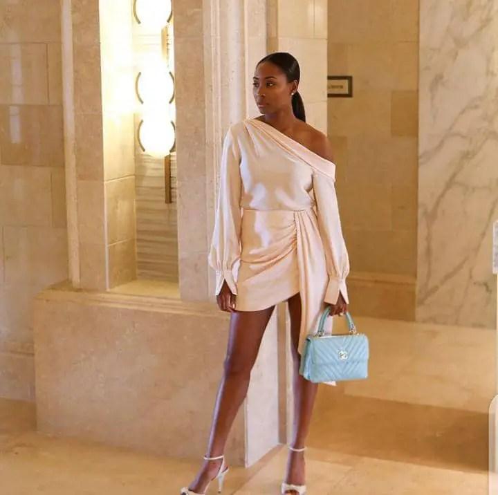 lady wearing ready-made dress