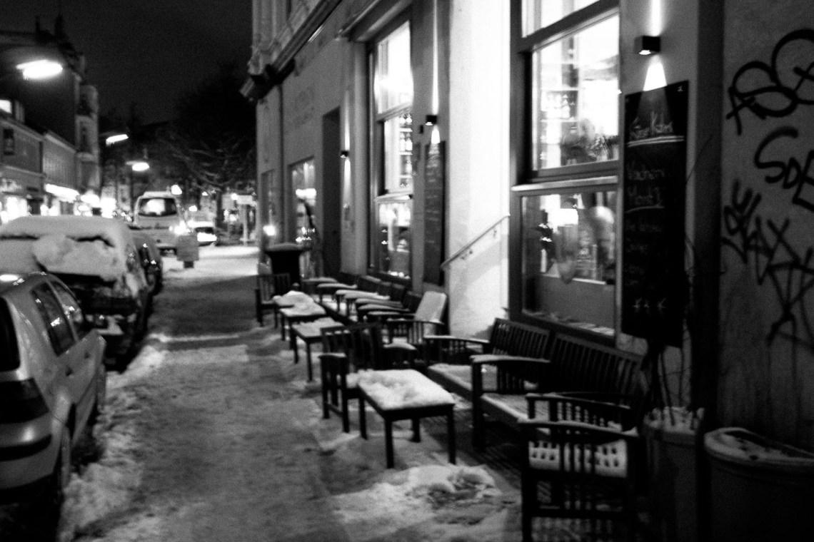 B&W, Europe, Germany, Hamburg, Sven Michael, Urban Photography, Winter, black & white, black and white, blurred, blurred motion, city, night, seasons, street scene, streetscape, wintertime