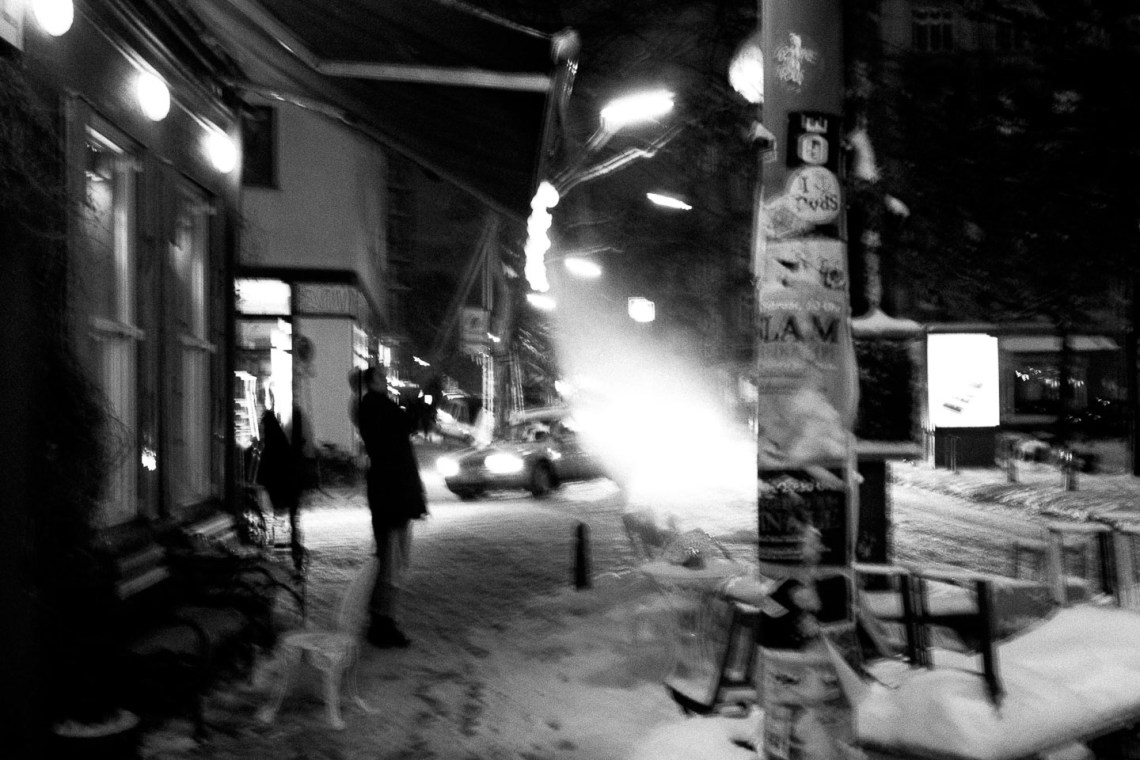 B&W, Europe, Germany, Hamburg, Sven Michael, Urban Photography, Winter, black & white, black and white, blurred, blurred motion, city, night, seasons, street scene, streetscape, wintertime