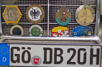 Kühlergrill mit Emblemen auf der ADAC Niedersachsen Classic 2012