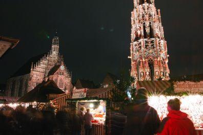 Nürnberg Christkindlesmarkt Schöner Brunnen Frauenkirche 2014