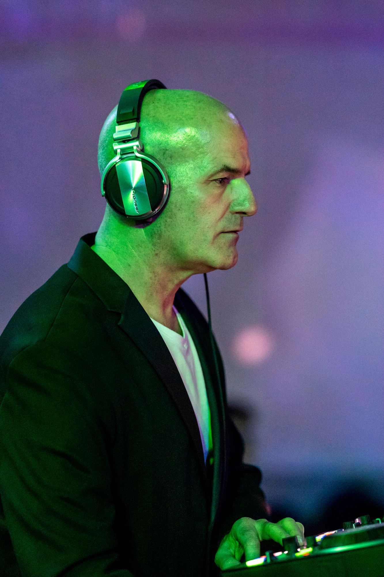 DJ Antonio Knemeyer auf der Salsa Night in den Haas-Sälen Bamberg am 7. März 2020