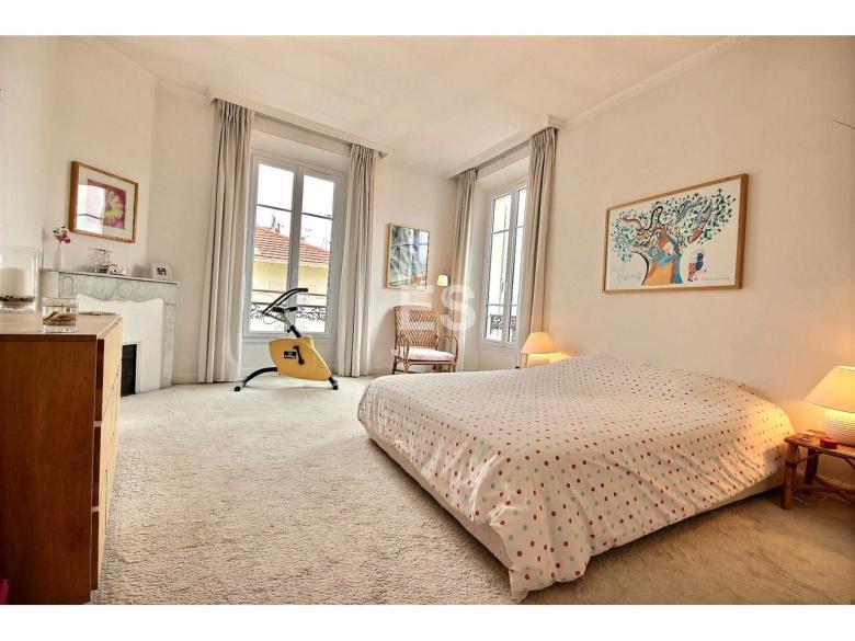Lägenhet till salu i Canes 87 m² bostad franska rivieran sovrumtvå