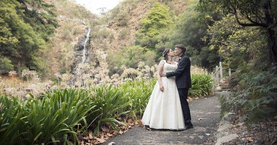 Waterfall gully wedding
