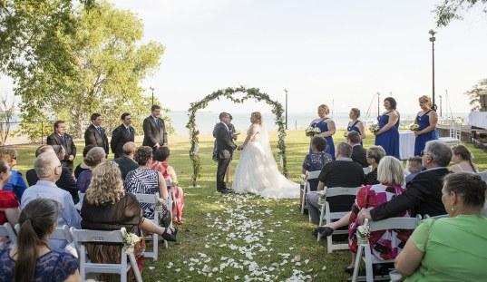 Darwin wedding at PeeWee's