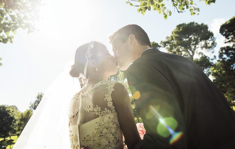 Lensflare kiss