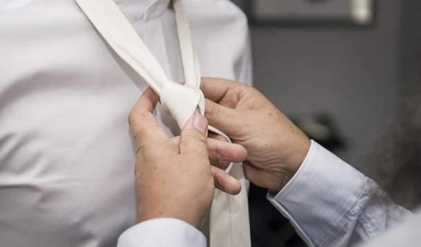 Tying ties