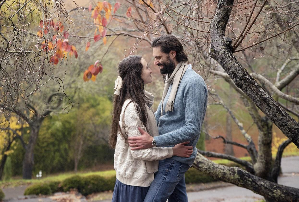 Hugs under the maple leaves