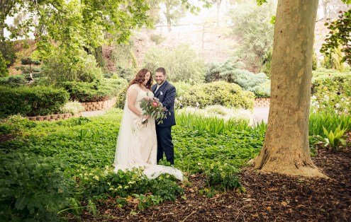 Bride and groom in the Stockade Botanic Park