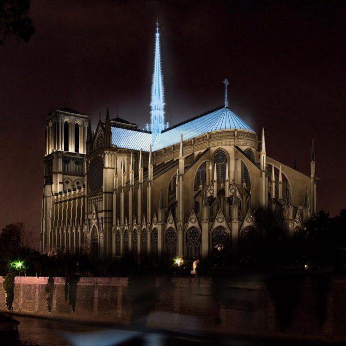 Гигантский надувной шар для Собора Парижской Богоматери