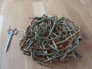Гнездо из прутьев своими руками