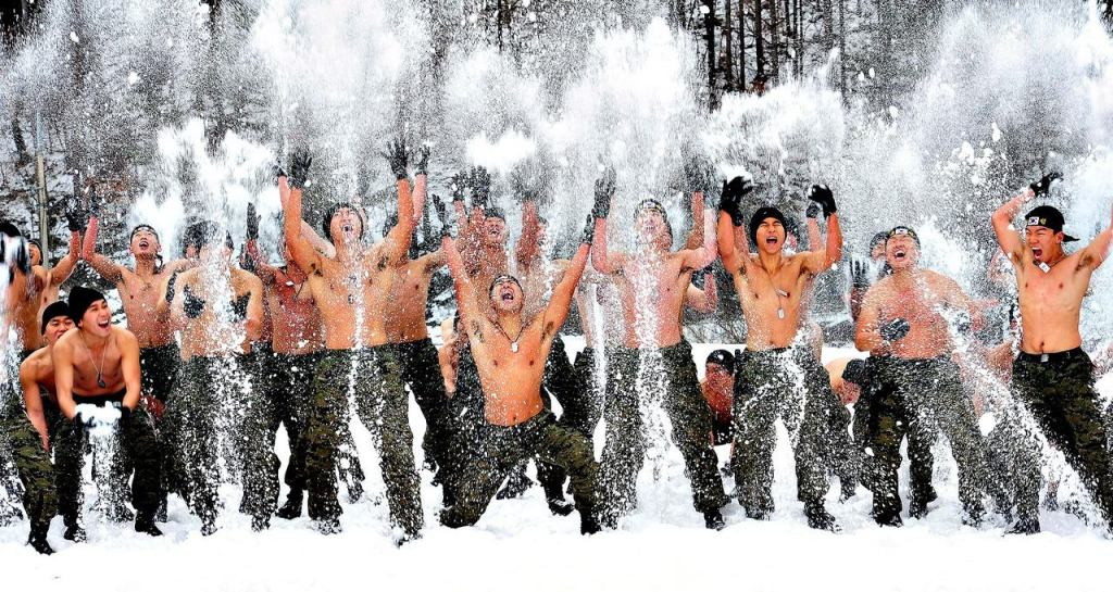 working out-snow-south-korean-soldiers-ft-image