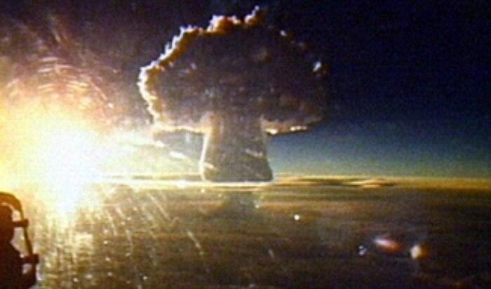 Výbuch Car-bomby