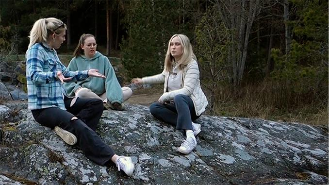 kvinner,skog,svaberg