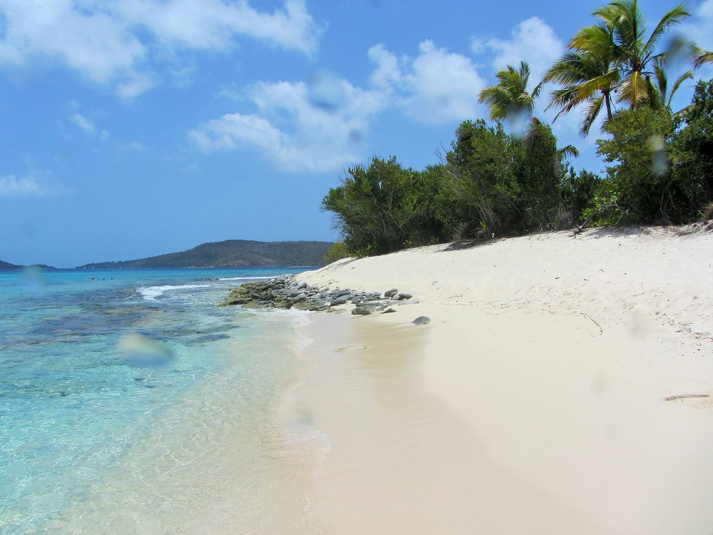 Sandy Cay Beach With Rocks