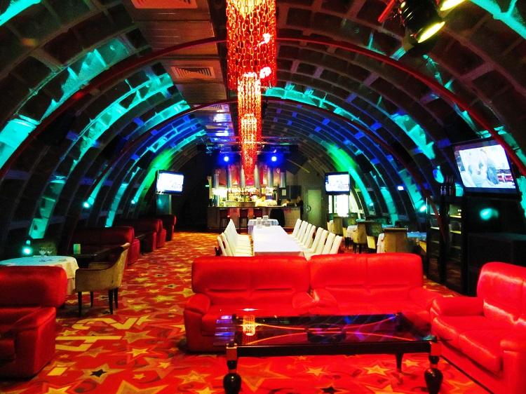 Клуб бункер 42 москва девушка в ночном клубе занимается