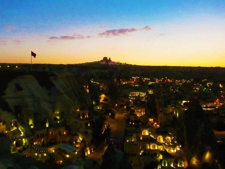 vacation-turkey-cappadocia-sunset