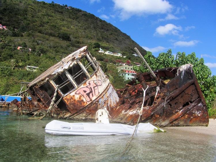 tug shipwrecked
