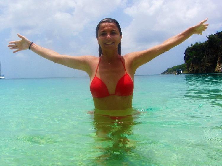 Melek palying in the water