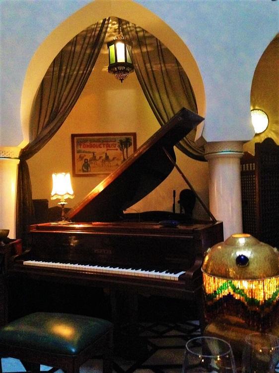 Casablanca - Rick's Cafe Piano