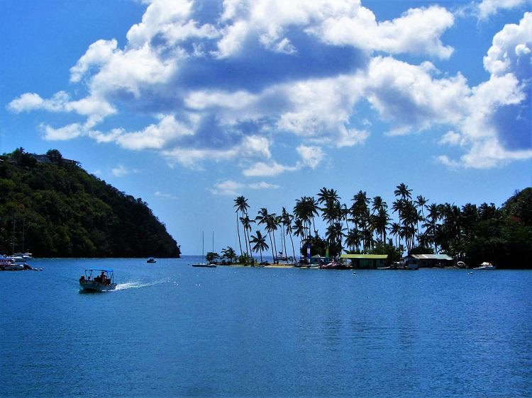 Marigot Bay - Sand Bar