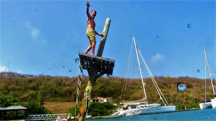 POTD - Cruising - Grenada - Phare Bleu - Jumping